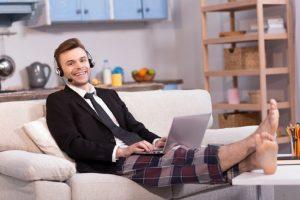 Pracovat z domova není tak snadné, jak se zdá. Myslíte, že na to máte?